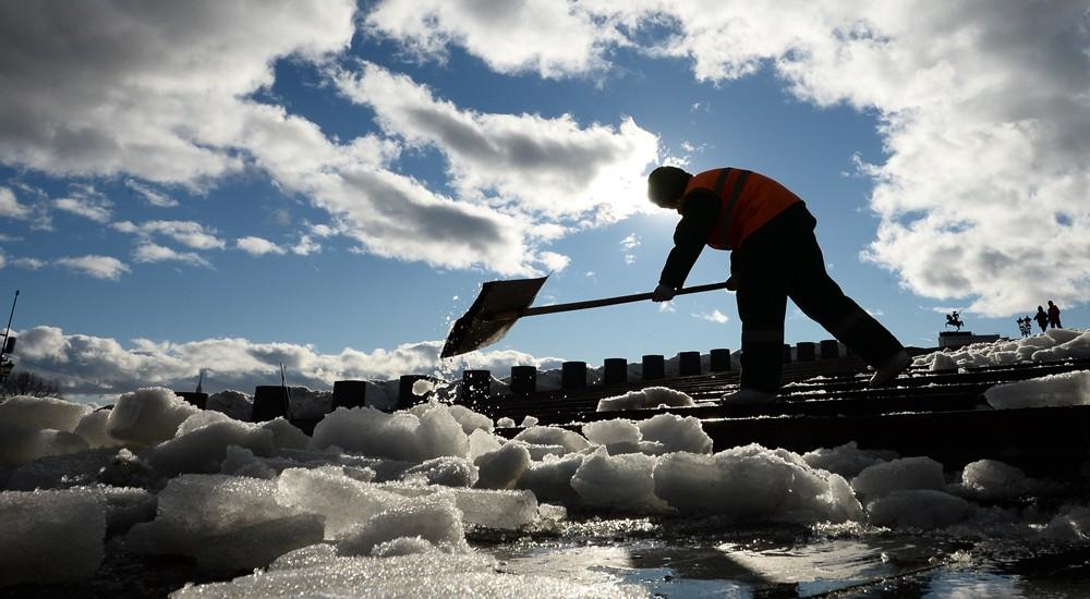 Гусеницы для преодоления снежных заносов в граде Московском